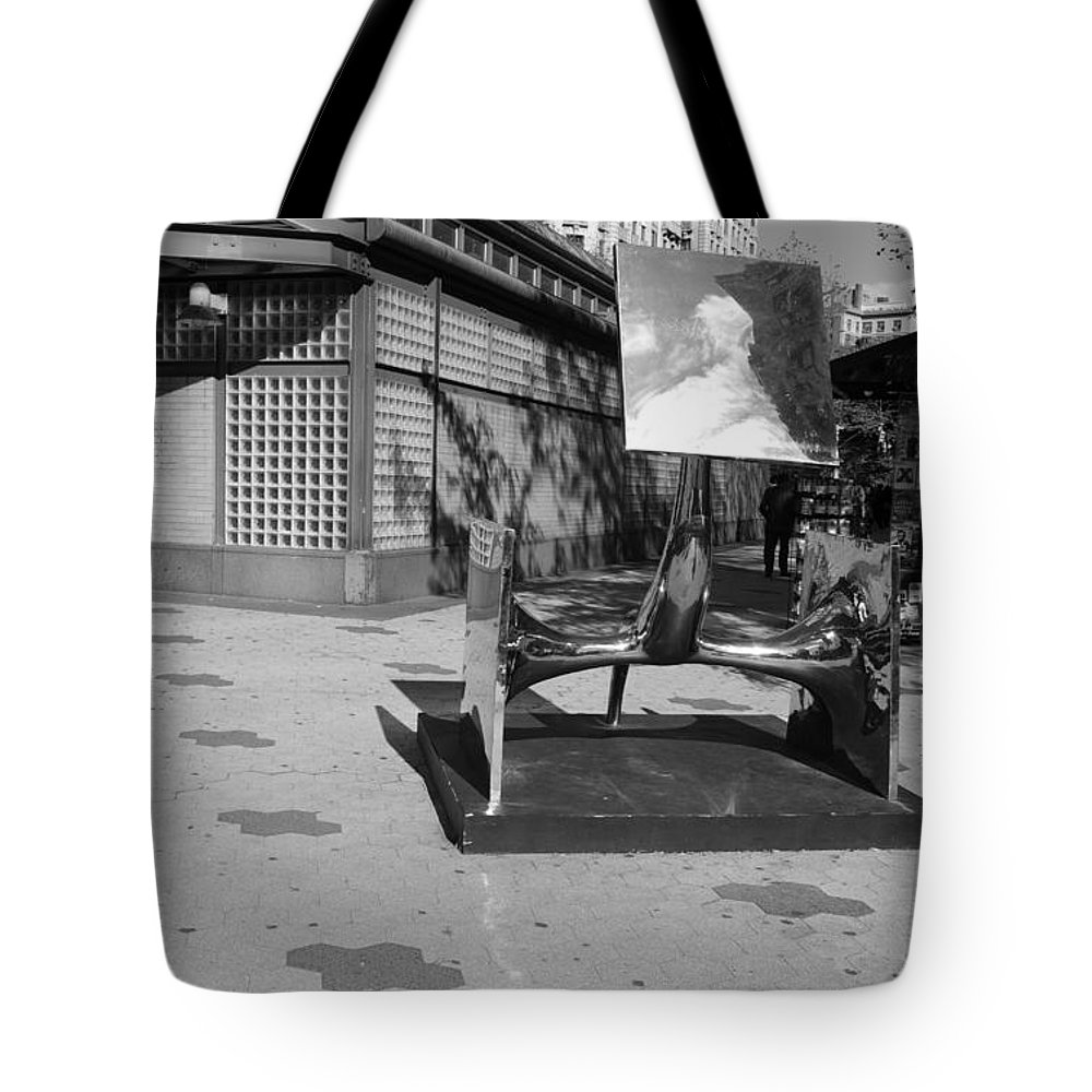 Black And White Tote Bag featuring the photograph Scuptures On The Corner In Black And White by Rob Hans