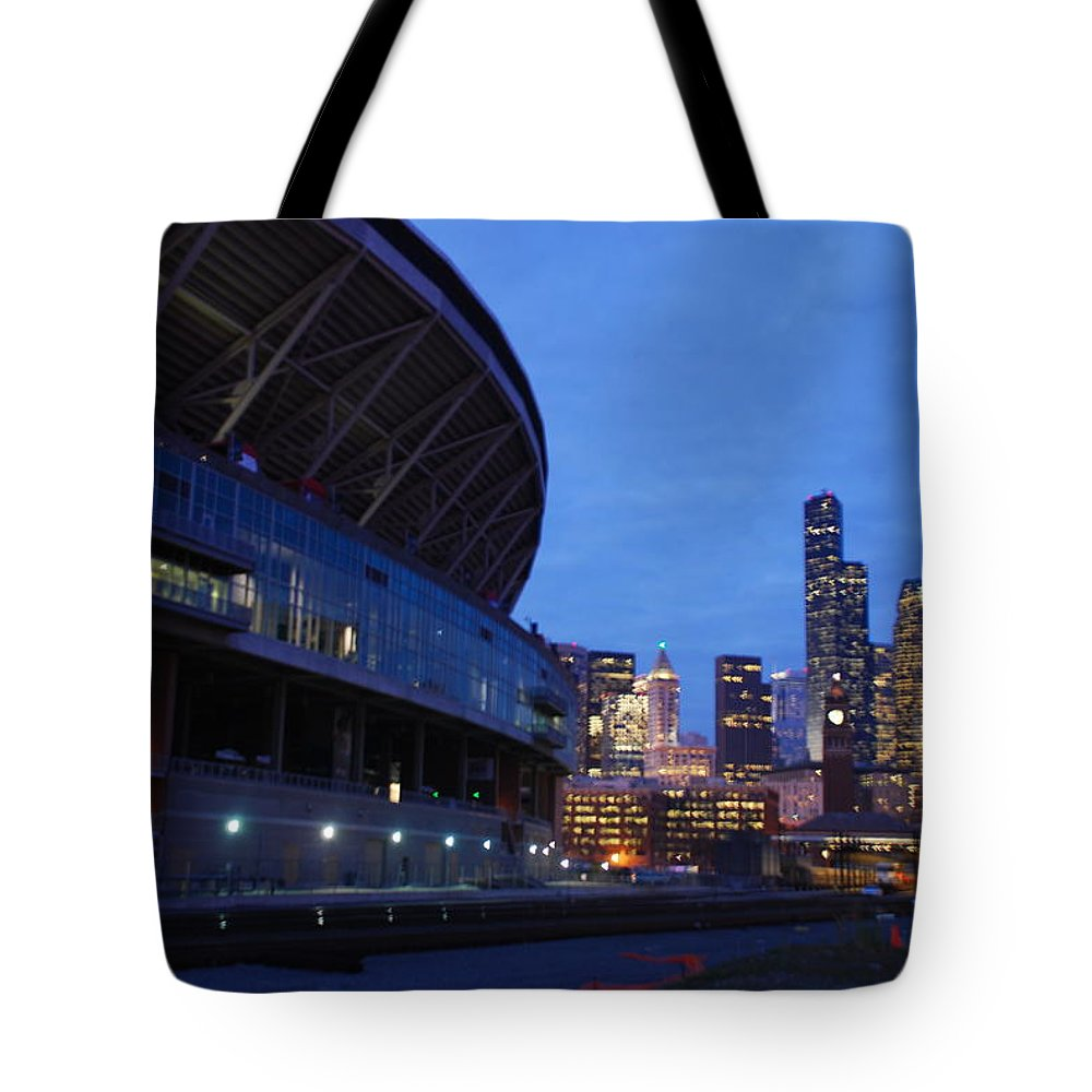 Seattle Tote Bag featuring the photograph Seattle Sky At Dusk by Michael Merry