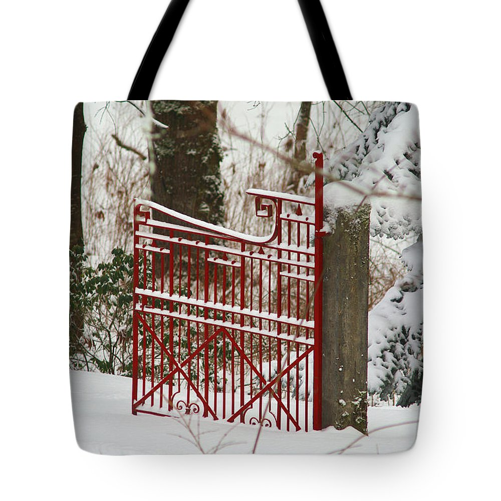 Fences Tote Bag featuring the photograph Single Red Gate by Randy Harris