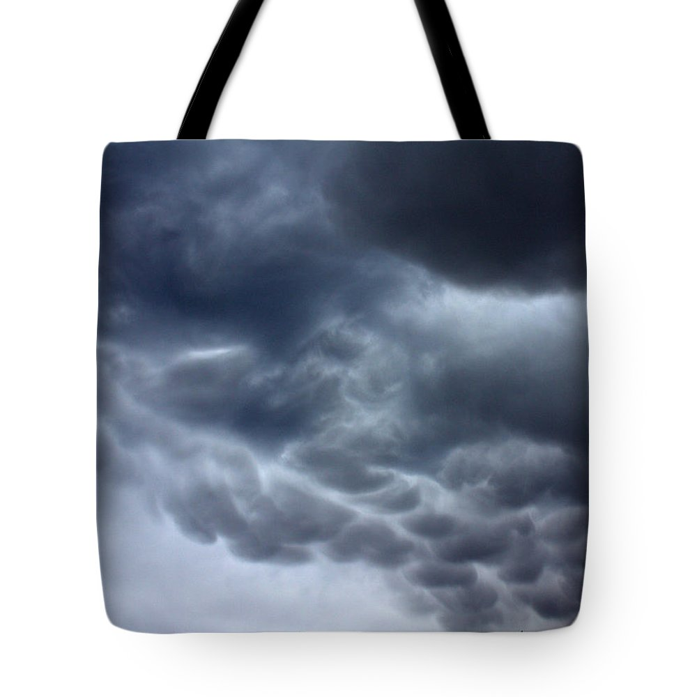 Six Pack Tote Bag featuring the photograph Six Pack by Ed Smith