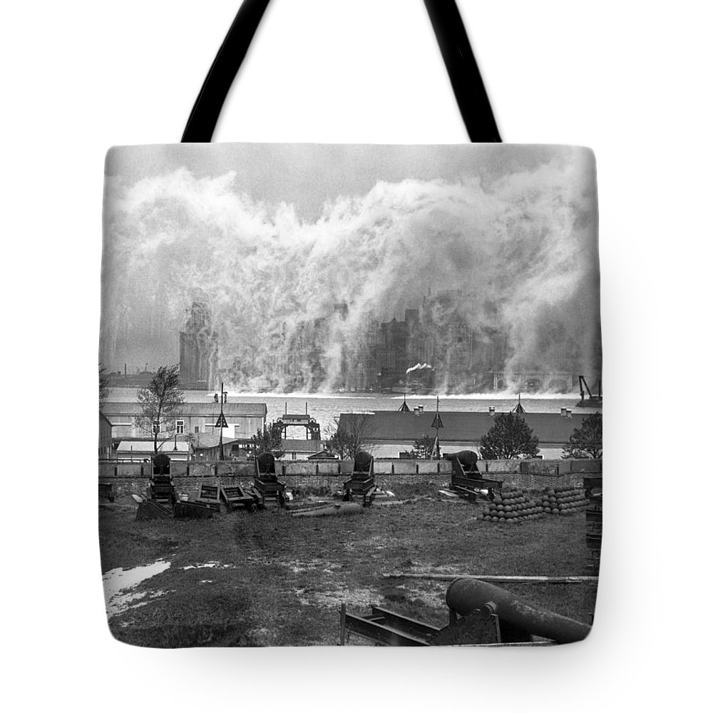 1920's Tote Bag featuring the photograph Smoke Screen Around Manhattan by Underwood Archives