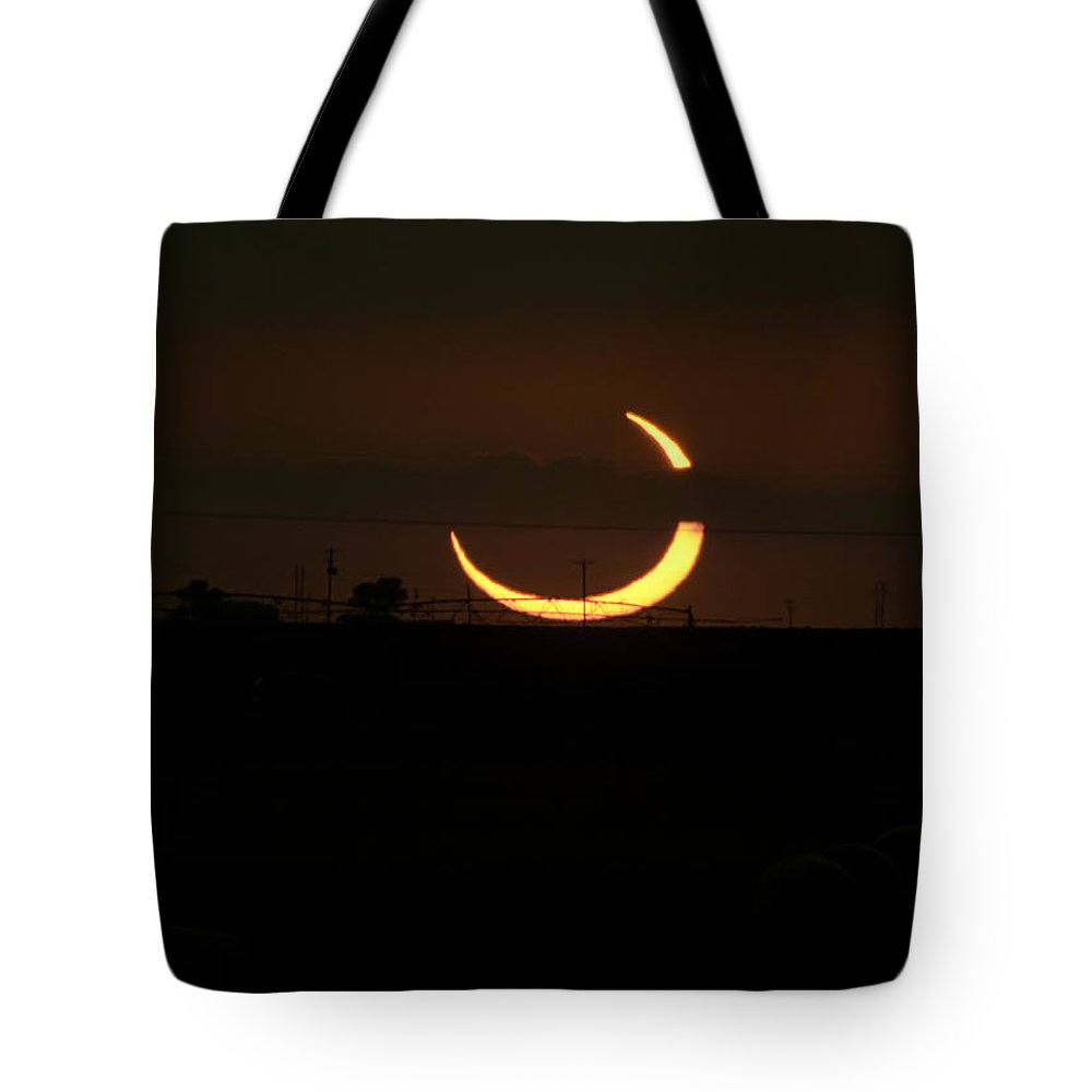 Eclipse Tote Bag featuring the photograph Solar Eclipse In Lubbock Texas by Melany Sarafis