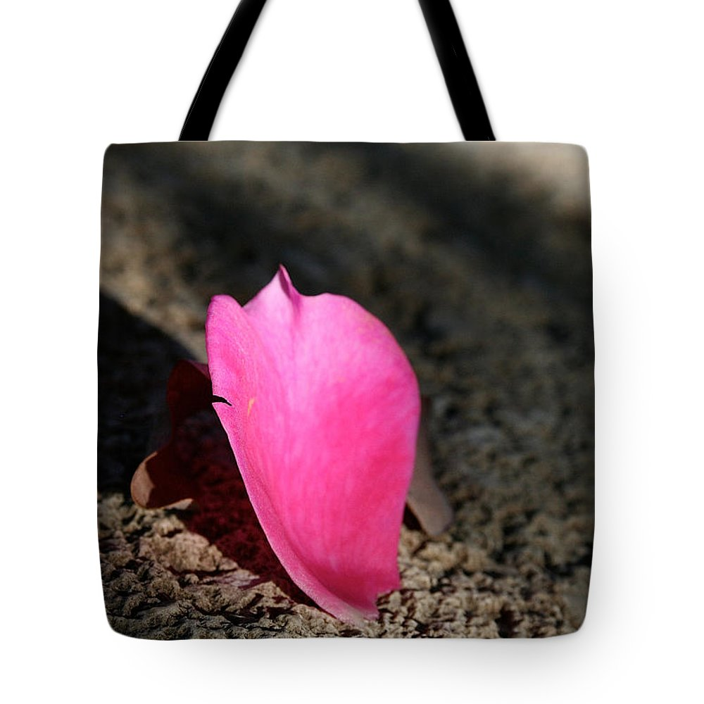 Flower Tote Bag featuring the photograph Solo by Susan Herber