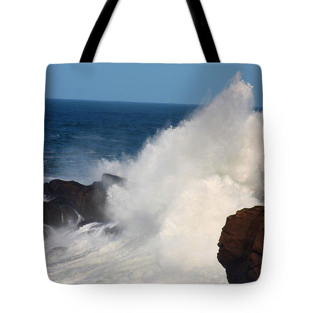 Oregon Coast Tote Bag featuring the photograph Splash by John McManus