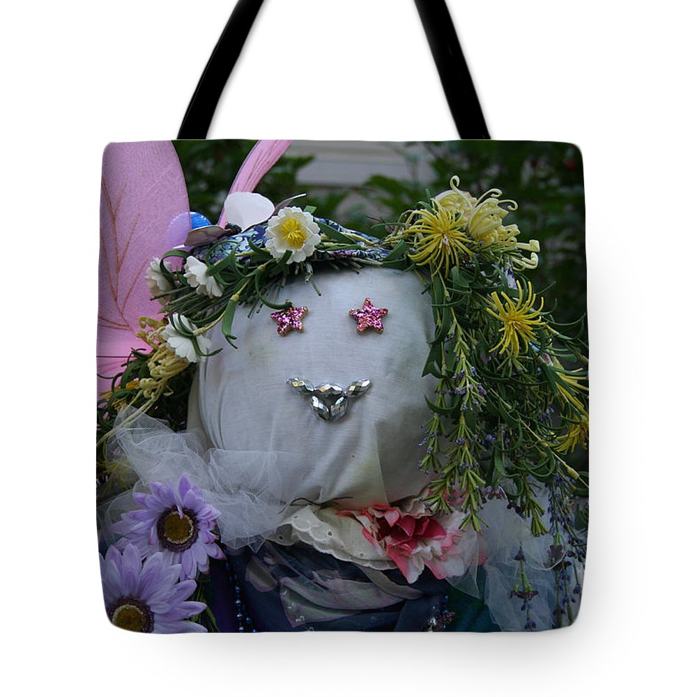 Fall Tote Bag featuring the photograph Starry Eyed by Susan Herber