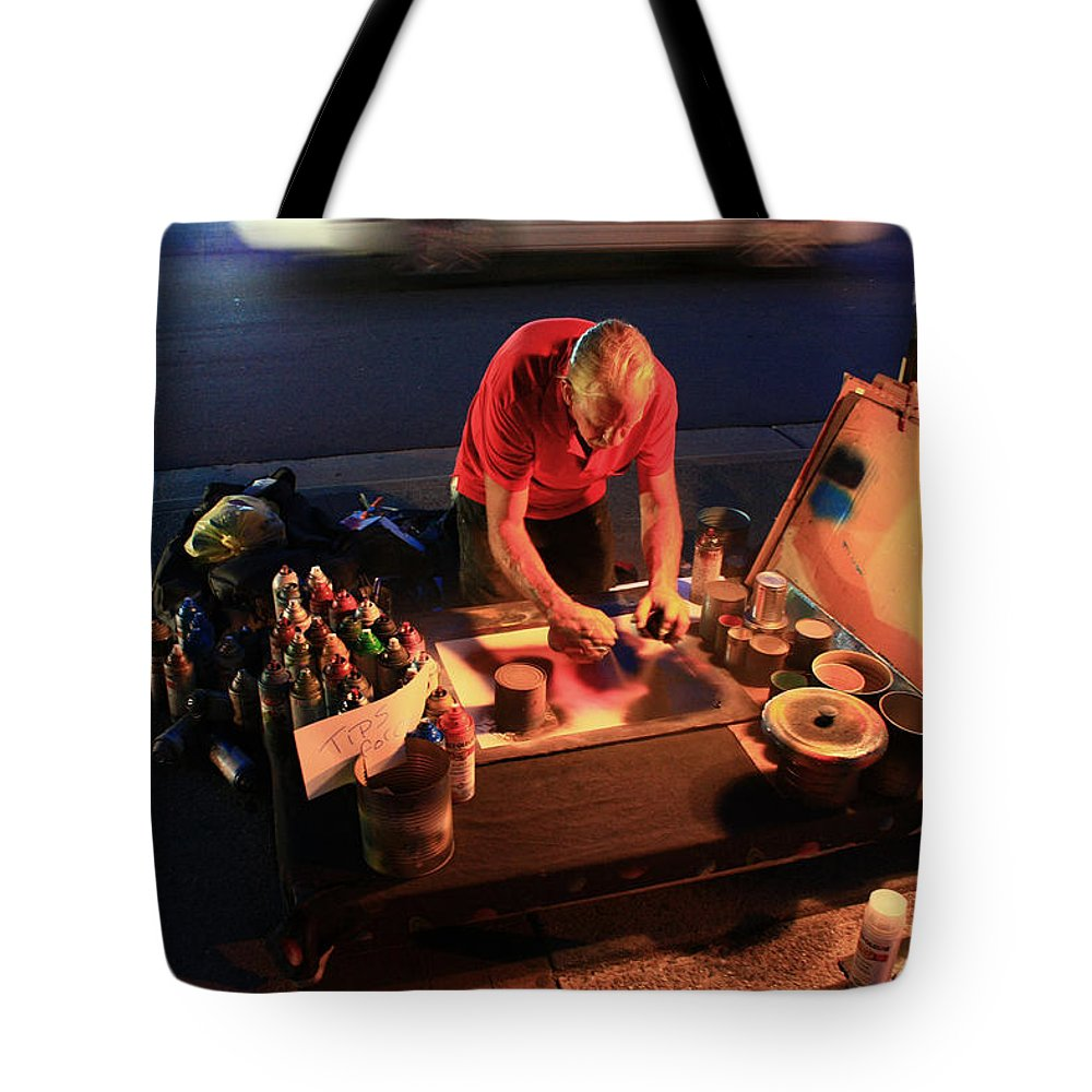 People Tote Bag featuring the photograph Street Artist by Gray Artus