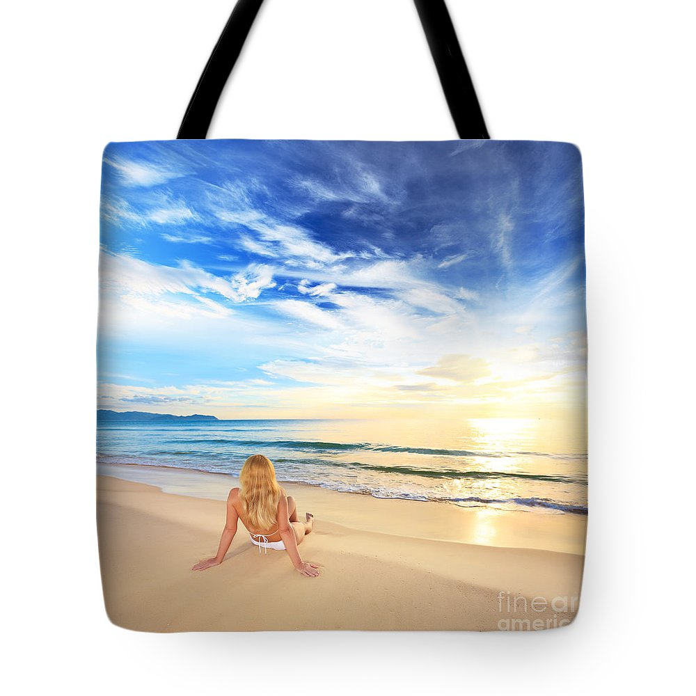 Girl Tote Bag featuring the photograph Sunbathing At Sunrise by MotHaiBaPhoto Prints