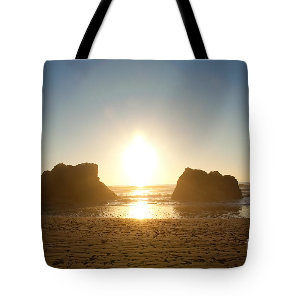 Ocean Tote Bag featuring the photograph Sunset On Ruby Beach by Dana Kern