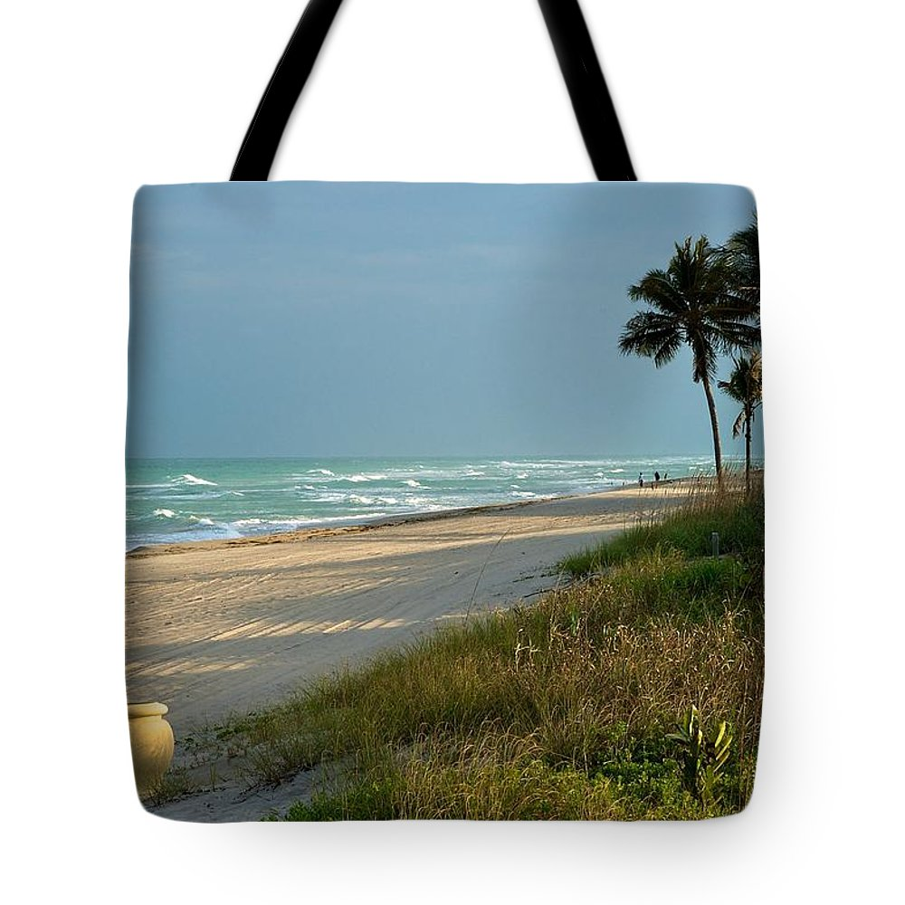 Atlantic Ocean Tote Bag featuring the photograph Sunset Pot by Joseph Yarbrough