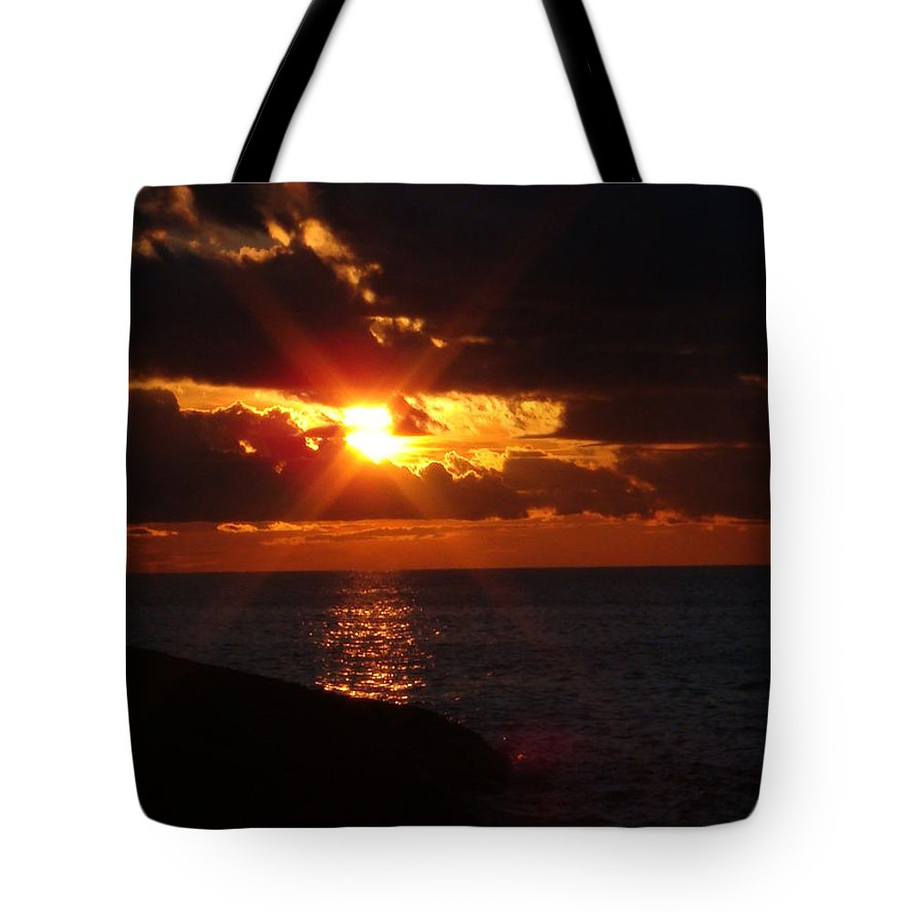 Lake Superior Tote Bag featuring the photograph Superior Sunset by Bonfire Photography