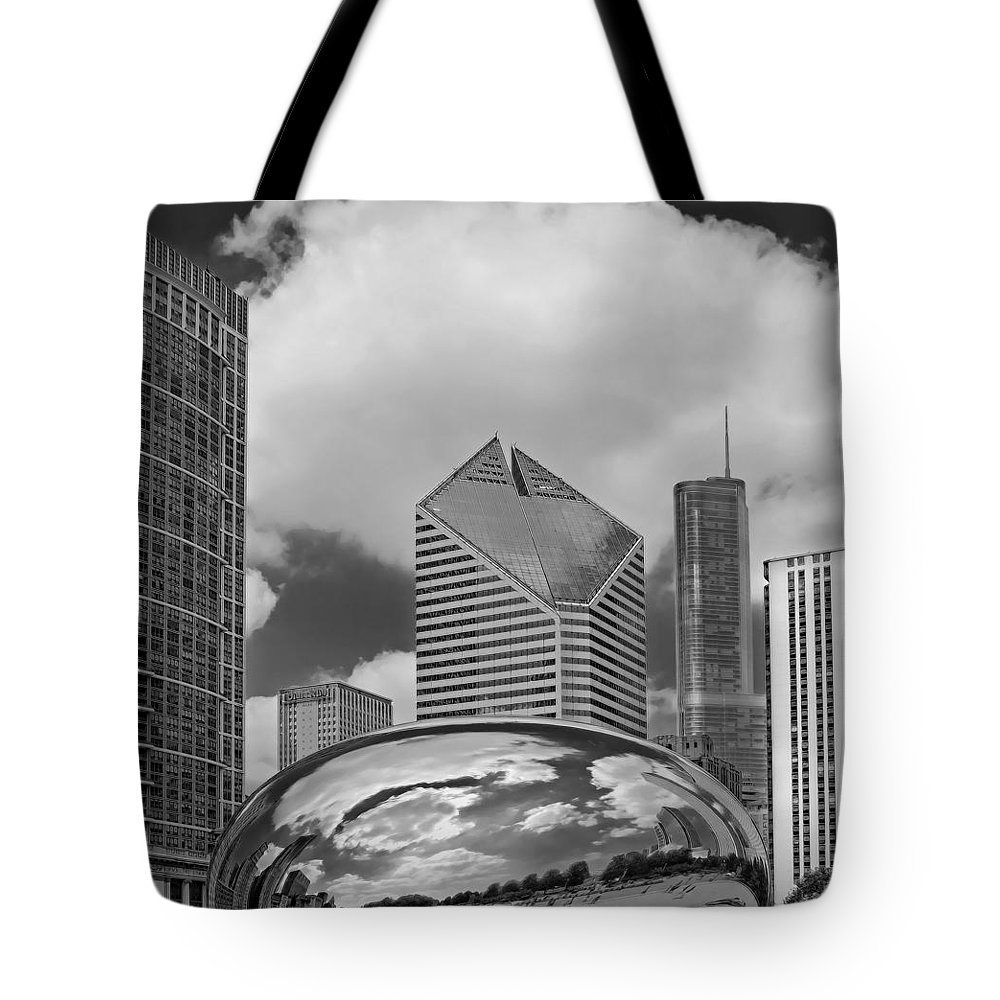 The Bean Tote Bag featuring the photograph The Bean Chicago Illinois by Dave Mills