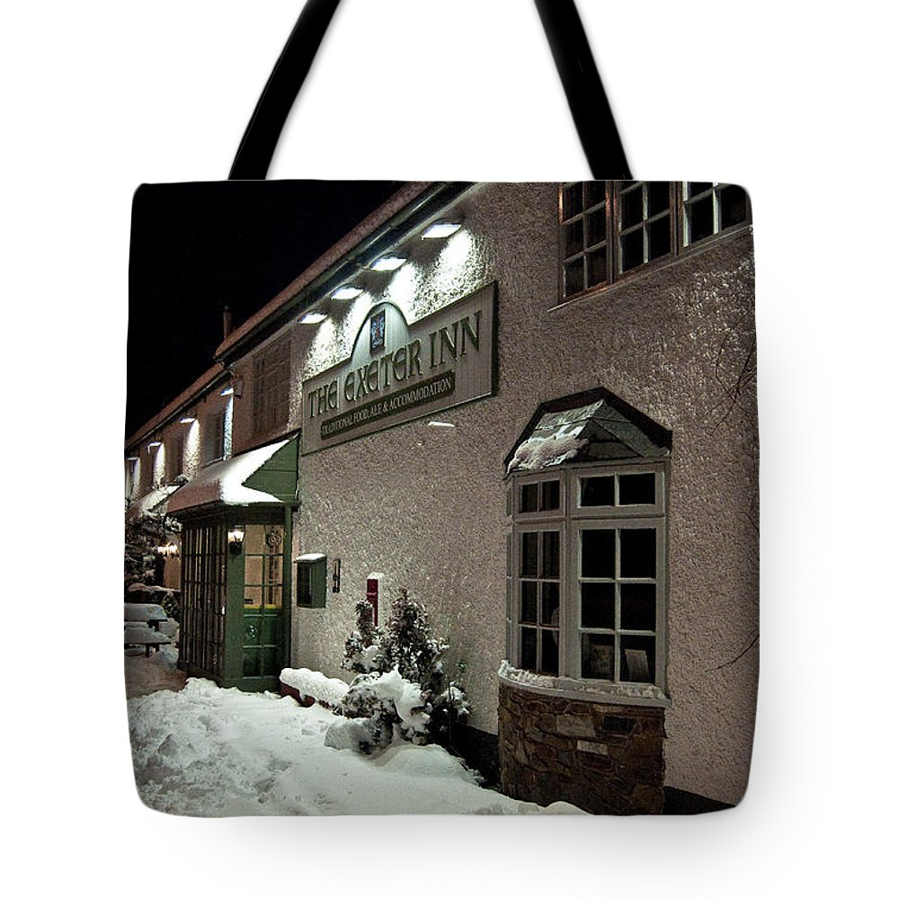 Exeter Tote Bag featuring the photograph The Exeter Inn by Rob Hawkins