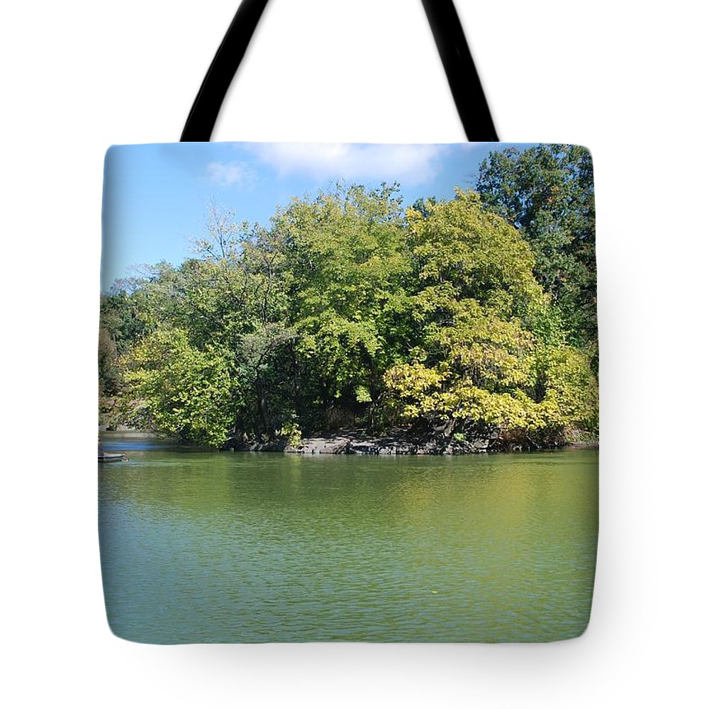 Central Park Tote Bag featuring the photograph The Lake In Central Park by Rob Hans