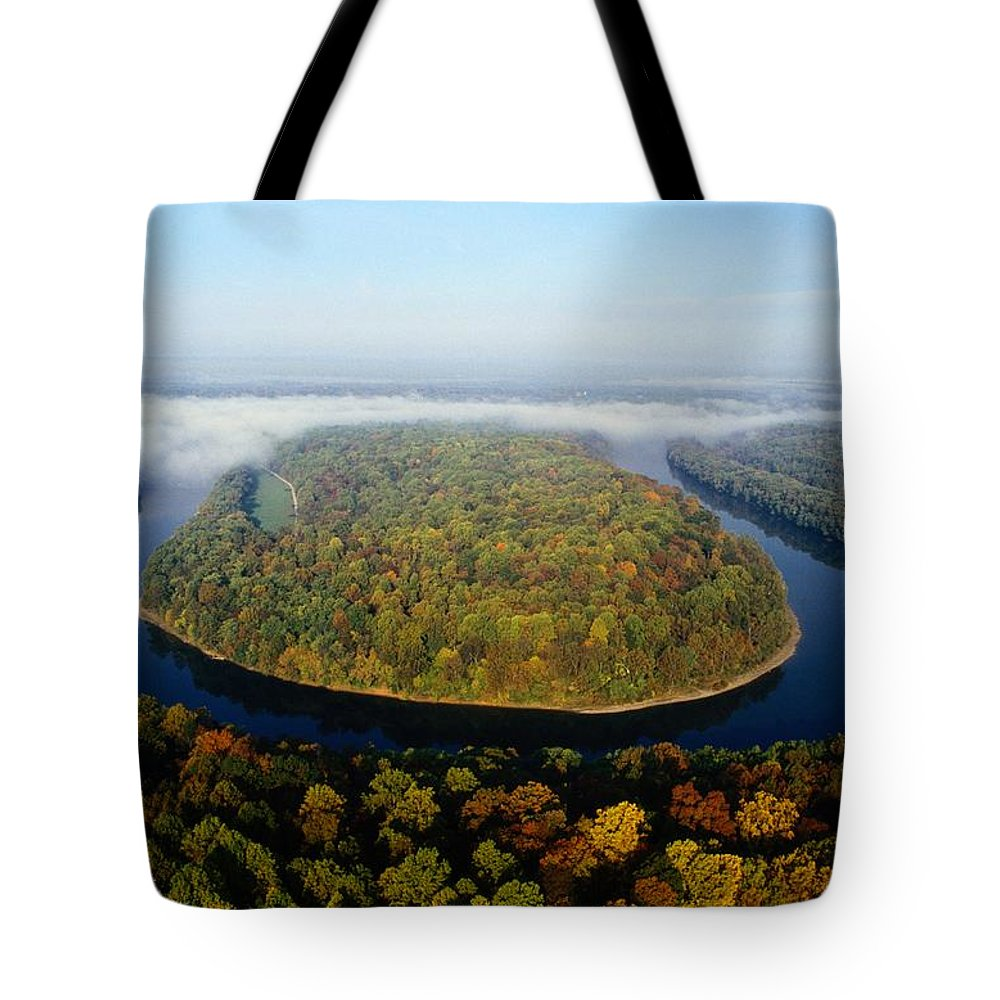 Potomac River Tote Bag featuring the photograph The Potomac River Makes A Hairpin Turn by Sam Abell