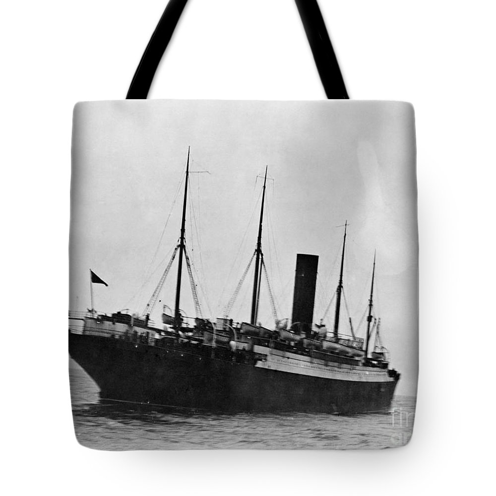 1912 Tote Bag featuring the photograph Titanic: The Carpathia, C1912 by Granger