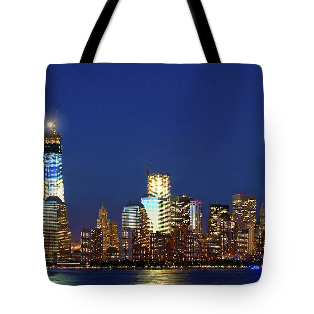 Ny City Tribute Of Lights Tote Bag featuring the photograph Tribute Of Lights Nyc 2012 by Regina Geoghan