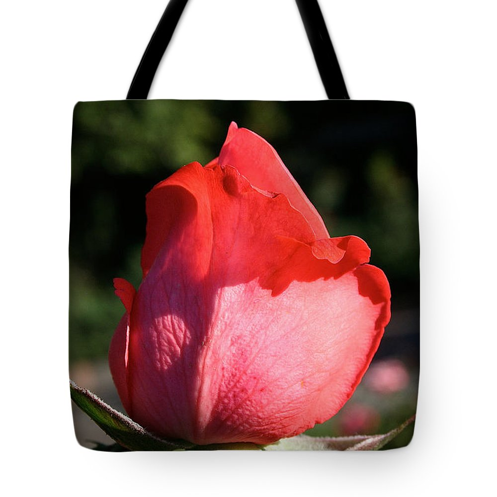 Flower Tote Bag featuring the photograph Tropicana Pink by Susan Herber