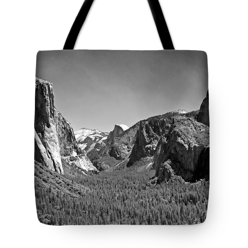 Park Tote Bag featuring the photograph Tunnel View by Jim Chamberlain
