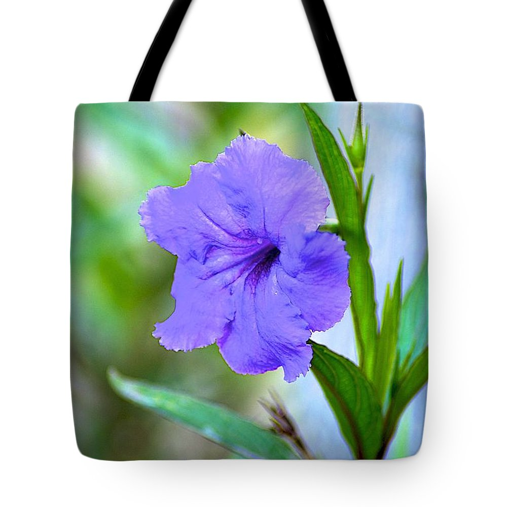 Florida Tote Bag featuring the photograph Vibration by Joseph Yarbrough