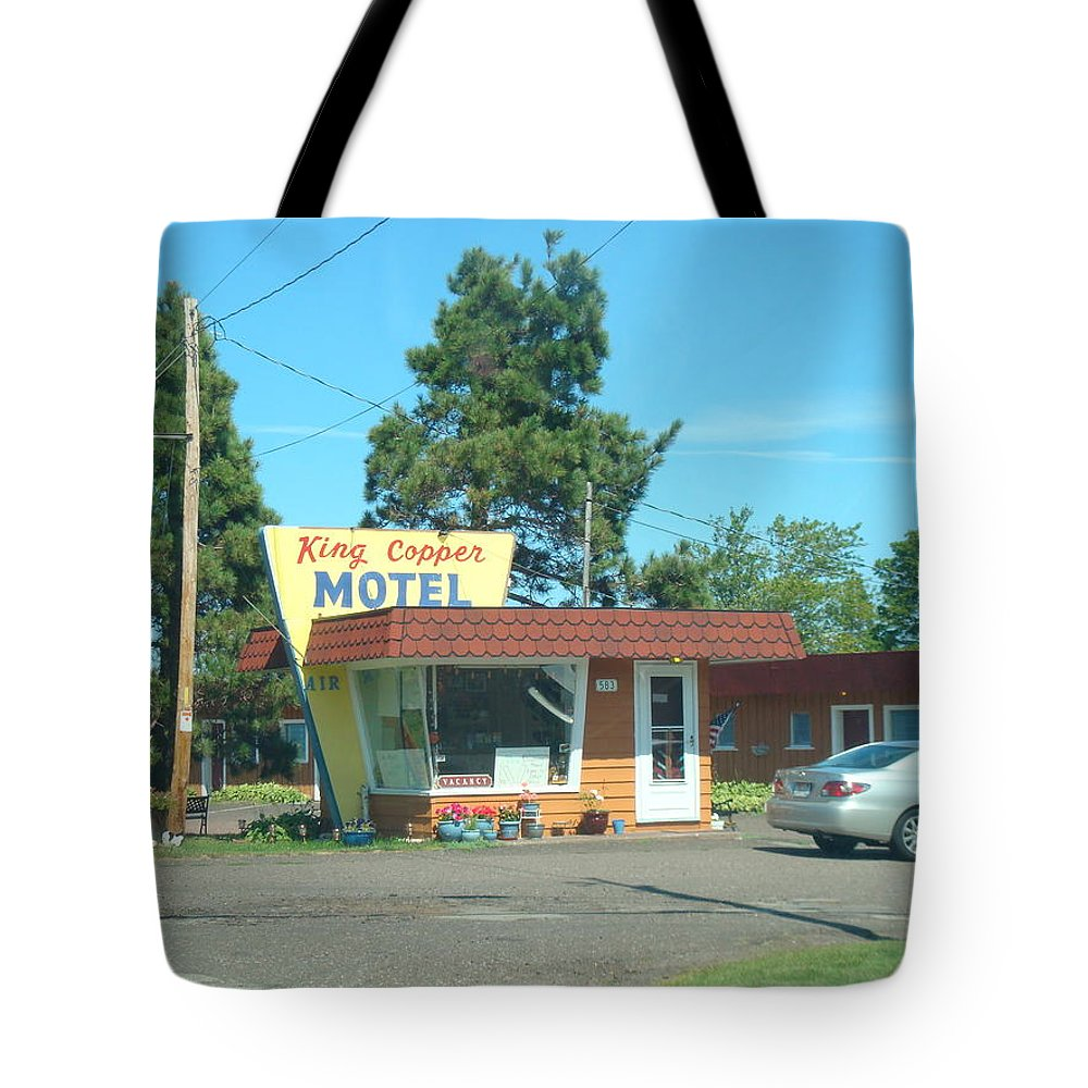Motel Tote Bag featuring the photograph Vintage Motel by Bonfire Photography