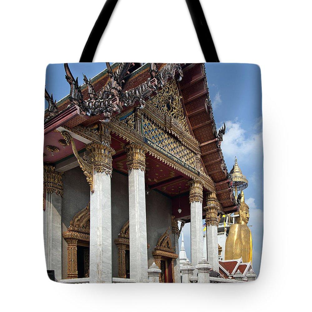 Bangkok Tote Bag featuring the photograph Wat Intarawiharn Ubosot Dthb1277 by Gerry Gantt