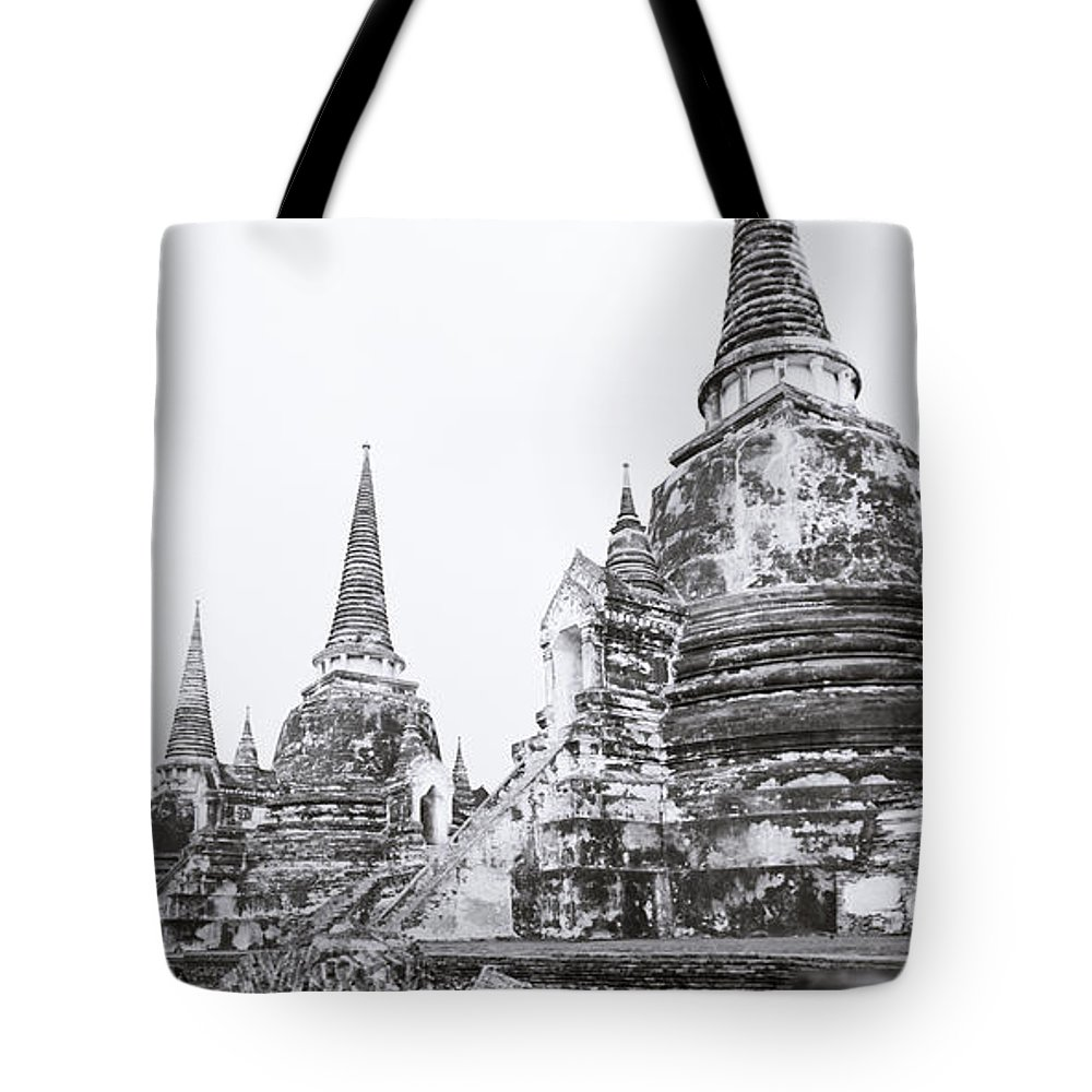 Thailand Tote Bag featuring the photograph Wat Phra Si Sanphet by Shaun Higson