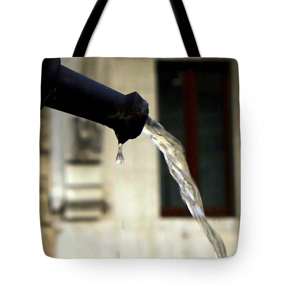 Water Tote Bag featuring the photograph Water Fountain by Valentino Visentini