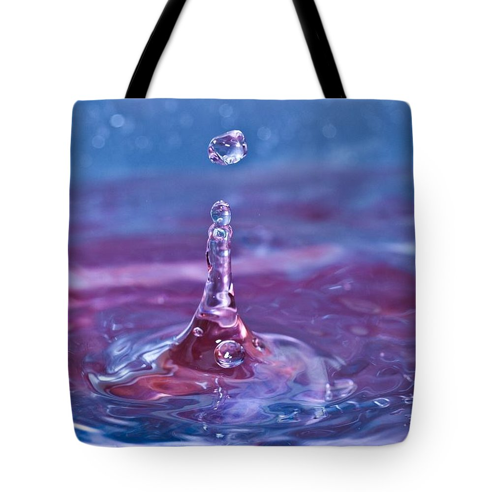 Water Tote Bag featuring the photograph Waterdrop11 by Danielle Silveira