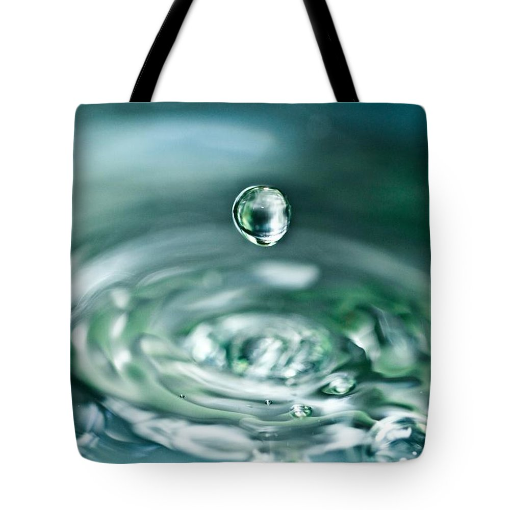 Water Drop Tote Bag featuring the photograph Waterdrop4 by Danielle Silveira
