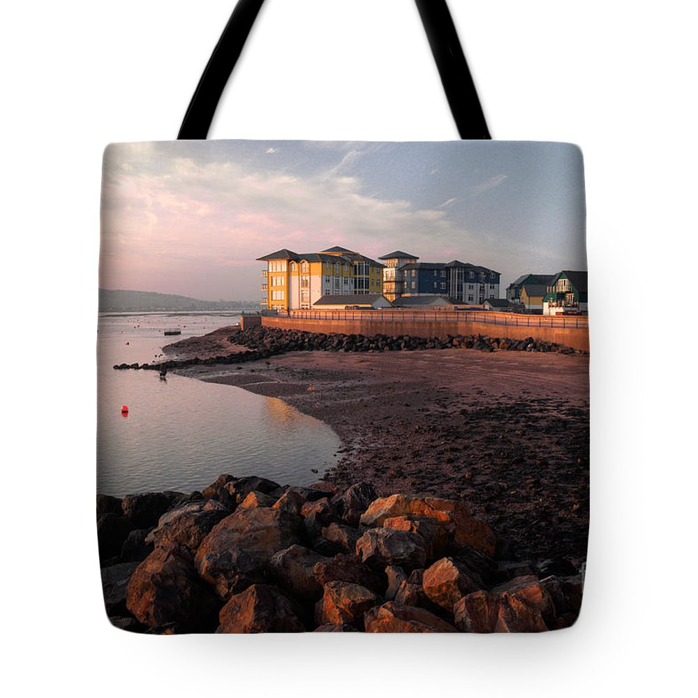 Exmouth Tote Bag featuring the photograph Waterside At Exmouth by Rob Hawkins