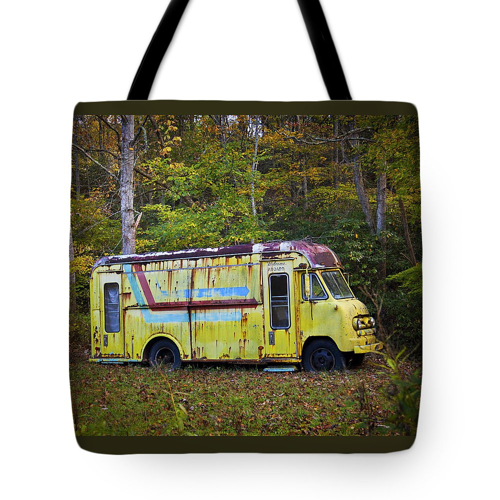 Bus Tote Bag featuring the photograph Welcome Aboard by Amy Jackson