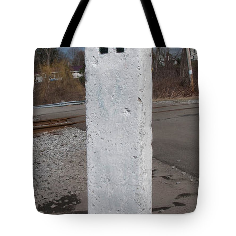 Arcade & Attica Tote Bag featuring the photograph Whistle Post by Guy Whiteley