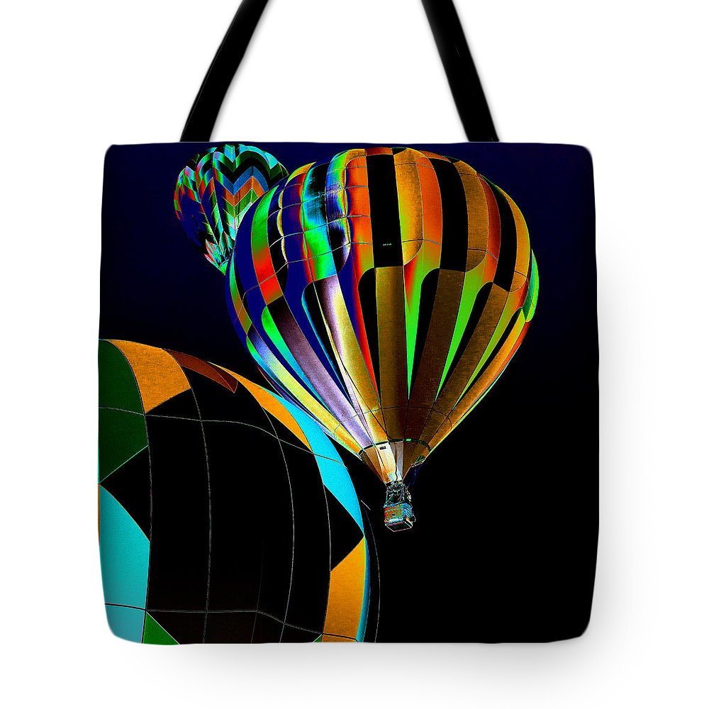 Prosser Hot Air Balloon Rally Tote Bag featuring the photograph Who Has The The Right Of Way by David Patterson
