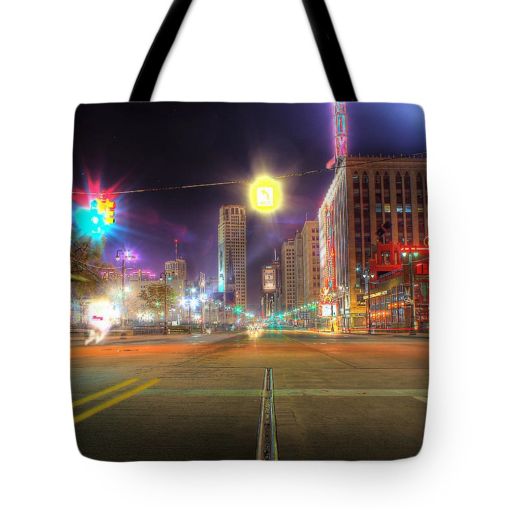 King Kong Tote Bag featuring the photograph Woodward Ave Detroit Mi by Nicholas Grunas