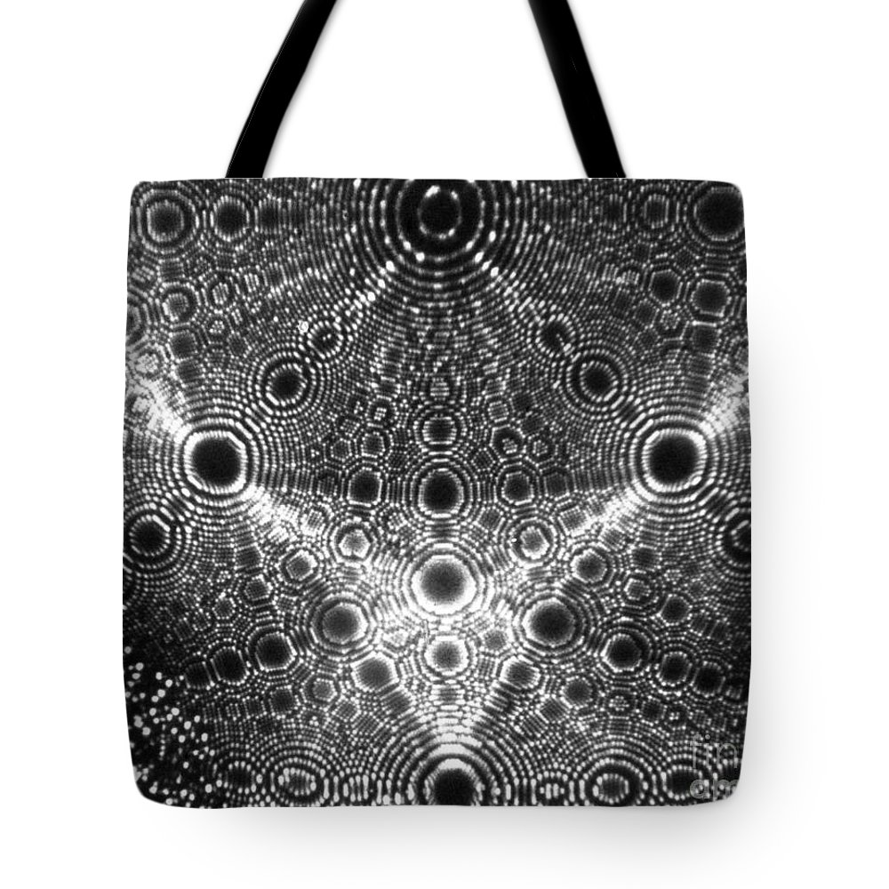 Diffraction Tote Bag featuring the photograph X-ray Diffraction Of Platinum by Omikron