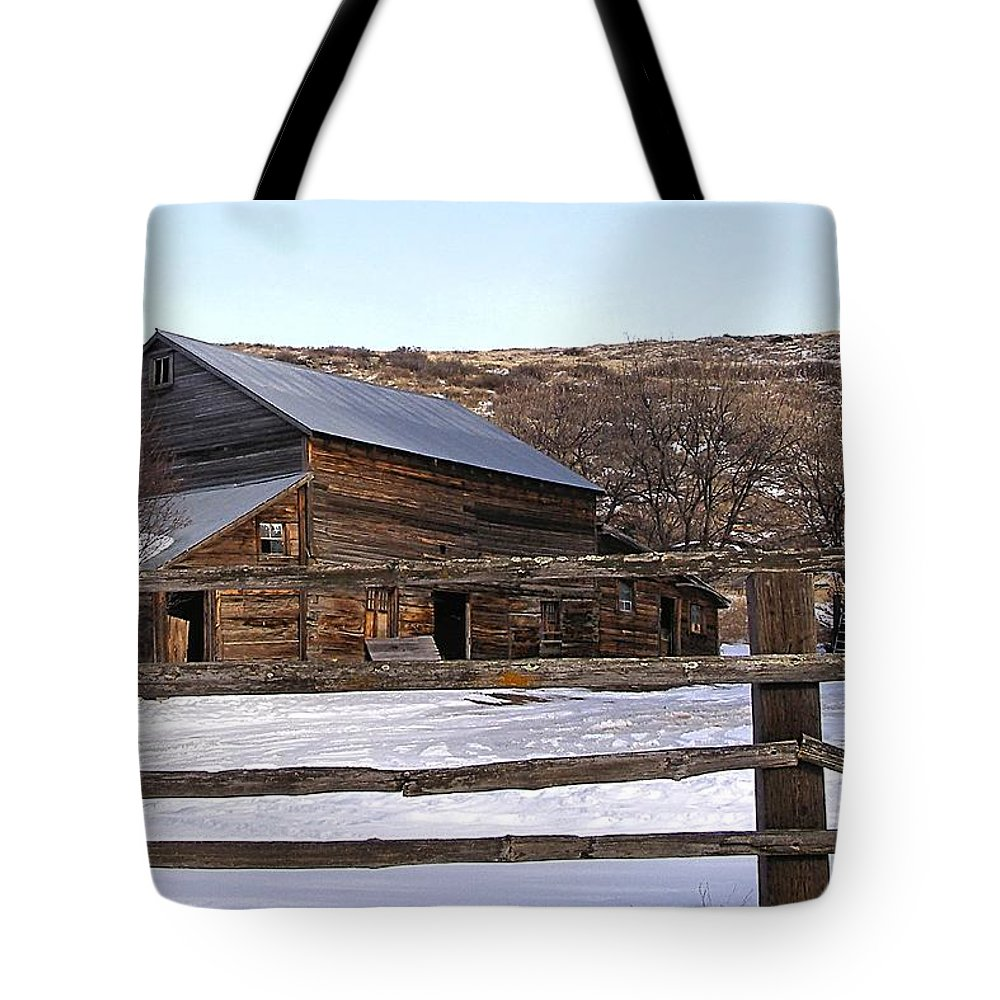 Barns Tote Bag featuring the photograph Country Barn by Susan Kinney