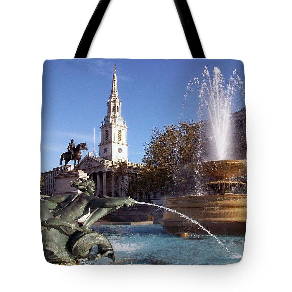 Trafalgar Square Tote Bag featuring the photograph London - Trafalgar Square by Munir Alawi
