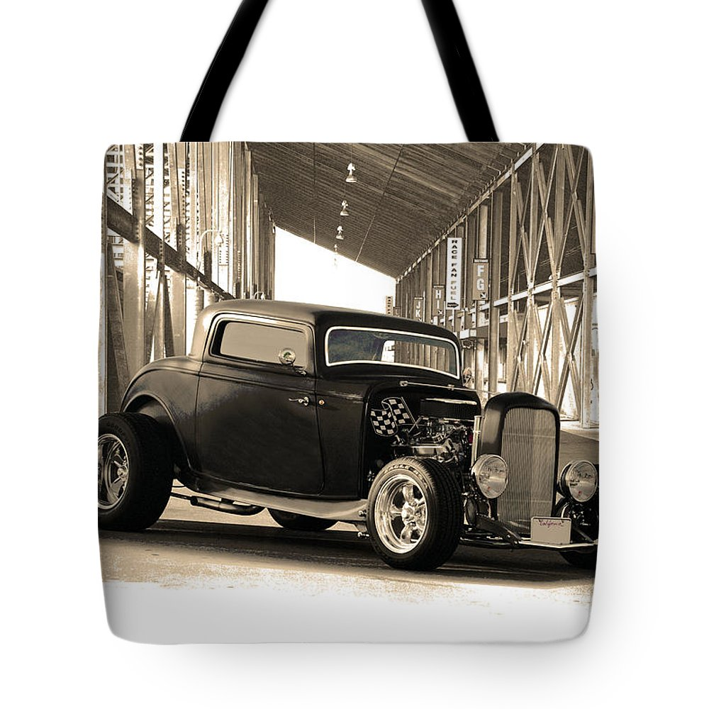 Auto Tote Bag featuring the photograph 1932 Ford Lil' Deuce Coupe by Dave Koontz