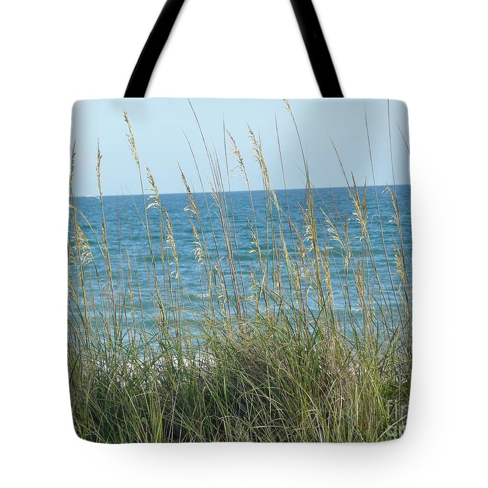 Beach Tote Bag featuring the photograph Afternoon At The Beach by Barb Montanye Meseroll