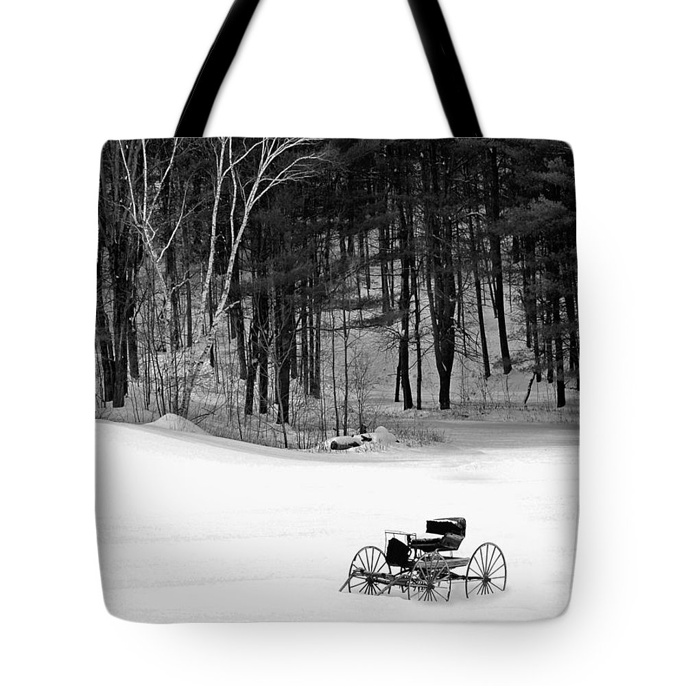 Bradley Tote Bag featuring the photograph Carriage In A Field Of Snow by Rich Despins