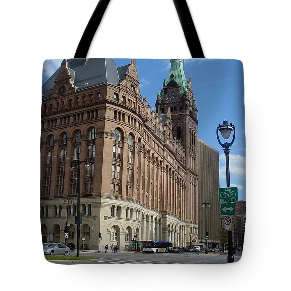 Milwaukee Tote Bag featuring the photograph City Hall And Lamp Post by Anita Burgermeister