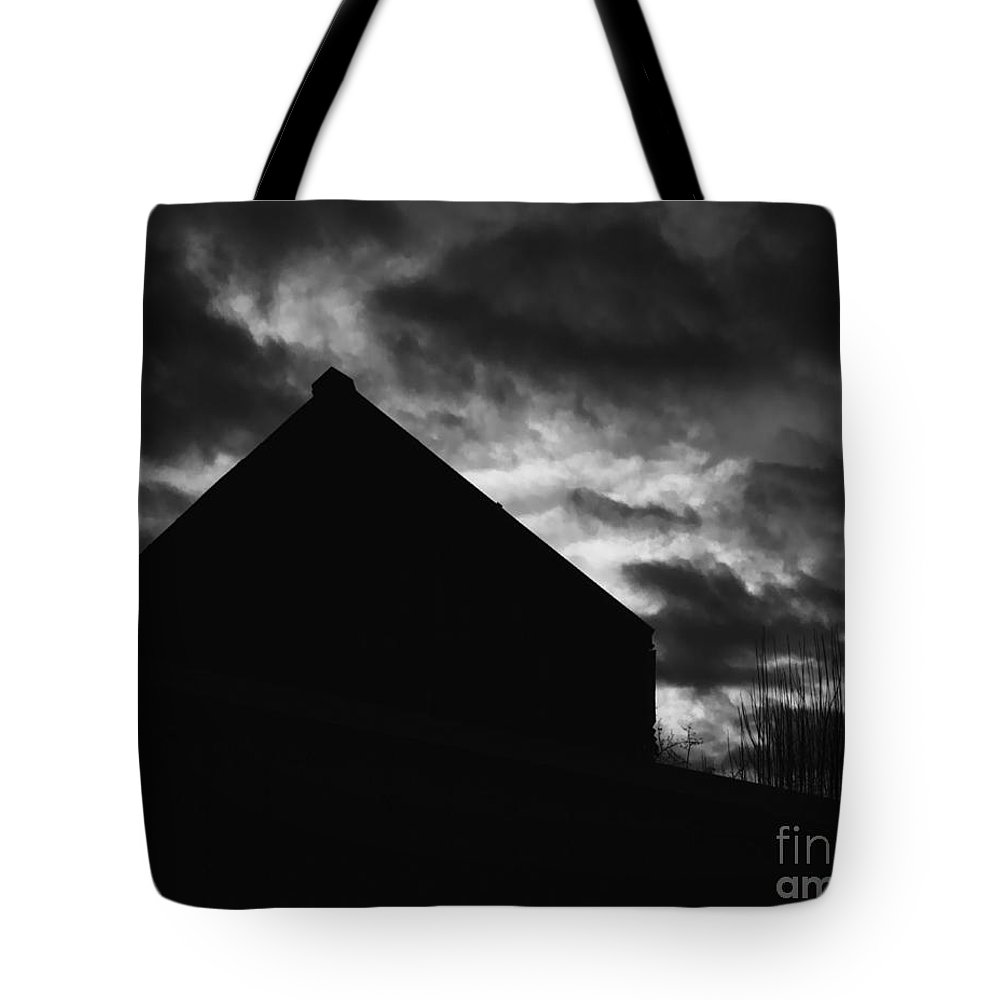 Black And White Tote Bag featuring the photograph Early Morning by Peter Piatt