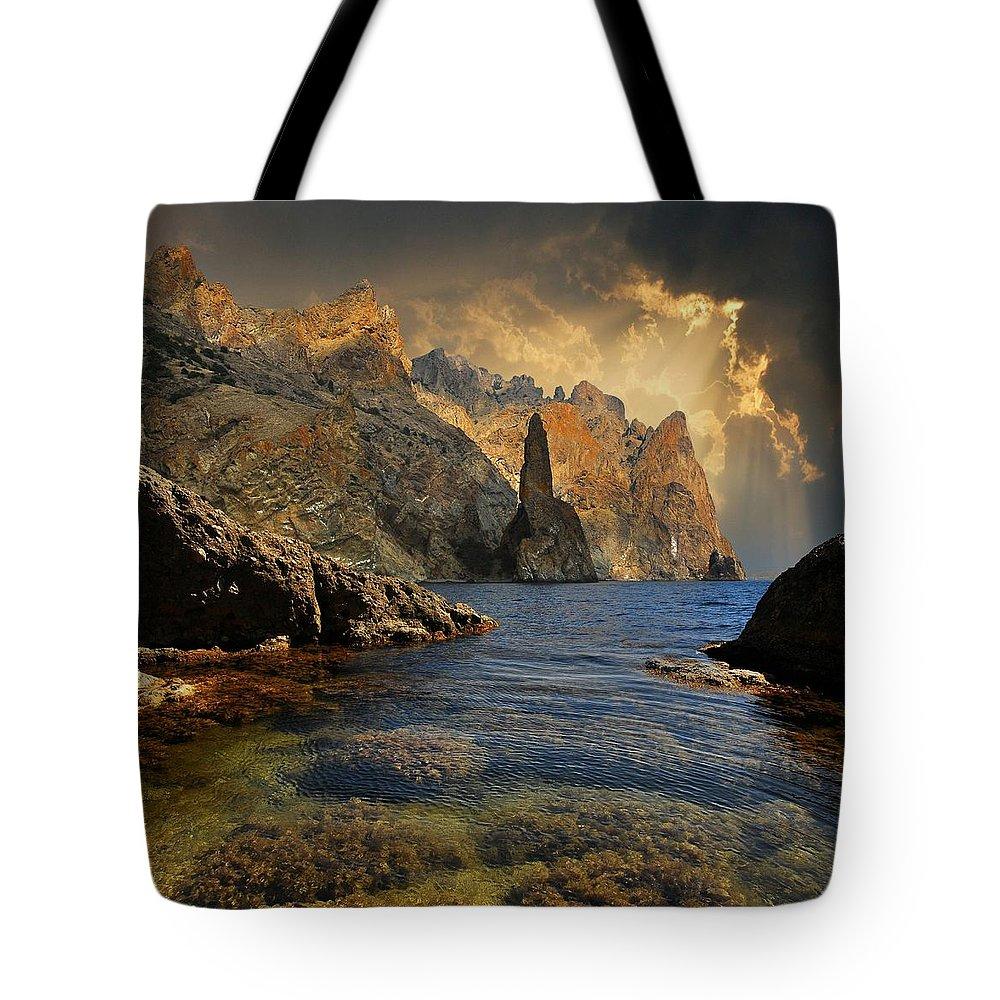 Seashore Tote Bag featuring the photograph Earthsea by Yuri Hope