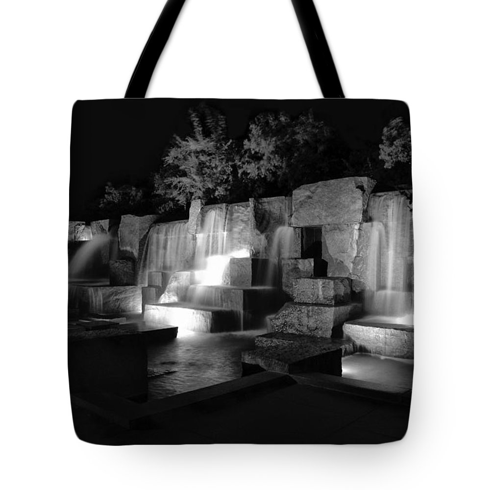 Fdr Memorial Tote Bag featuring the photograph Fdr Memorial Water Wall by Paul Basile