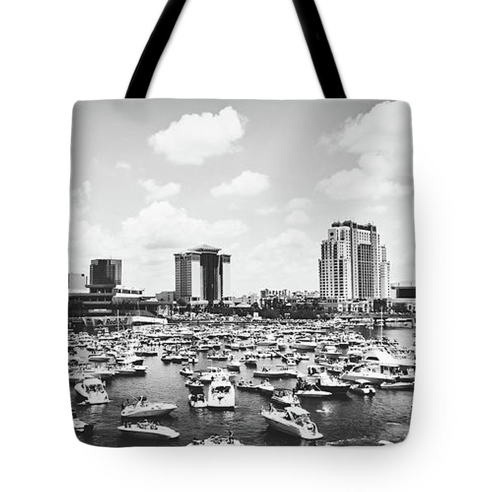 Tampa Tote Bag featuring the photograph Festive Tampa Bay by Pixabay