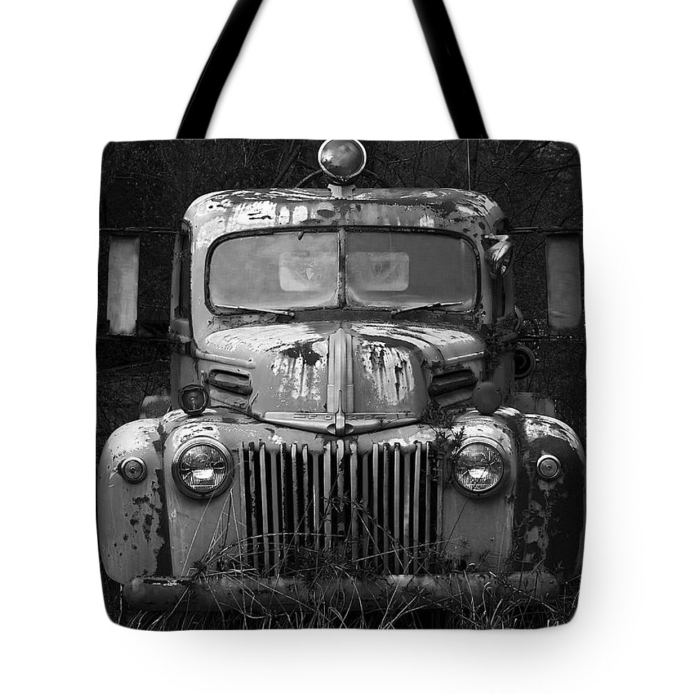 Fire Truck Tote Bag featuring the photograph Fire Truck by Ron Jones