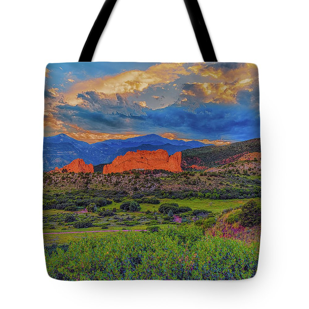Garden Of The Gods Tote Bag featuring the photograph Gateway To The Garden by Luis A Ramirez