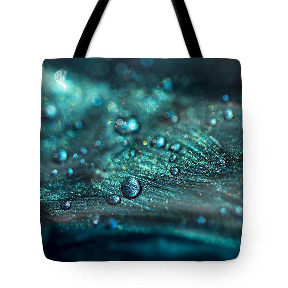 Glistening In The Sun Tote Bag featuring the photograph Glistening In The Sun by Tracy Winter