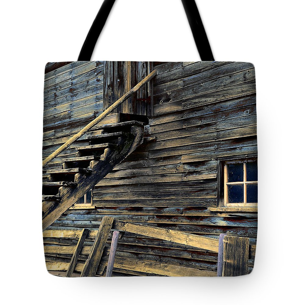 Architecture Tote Bag featuring the photograph Golden Barn by Wayne Sherriff