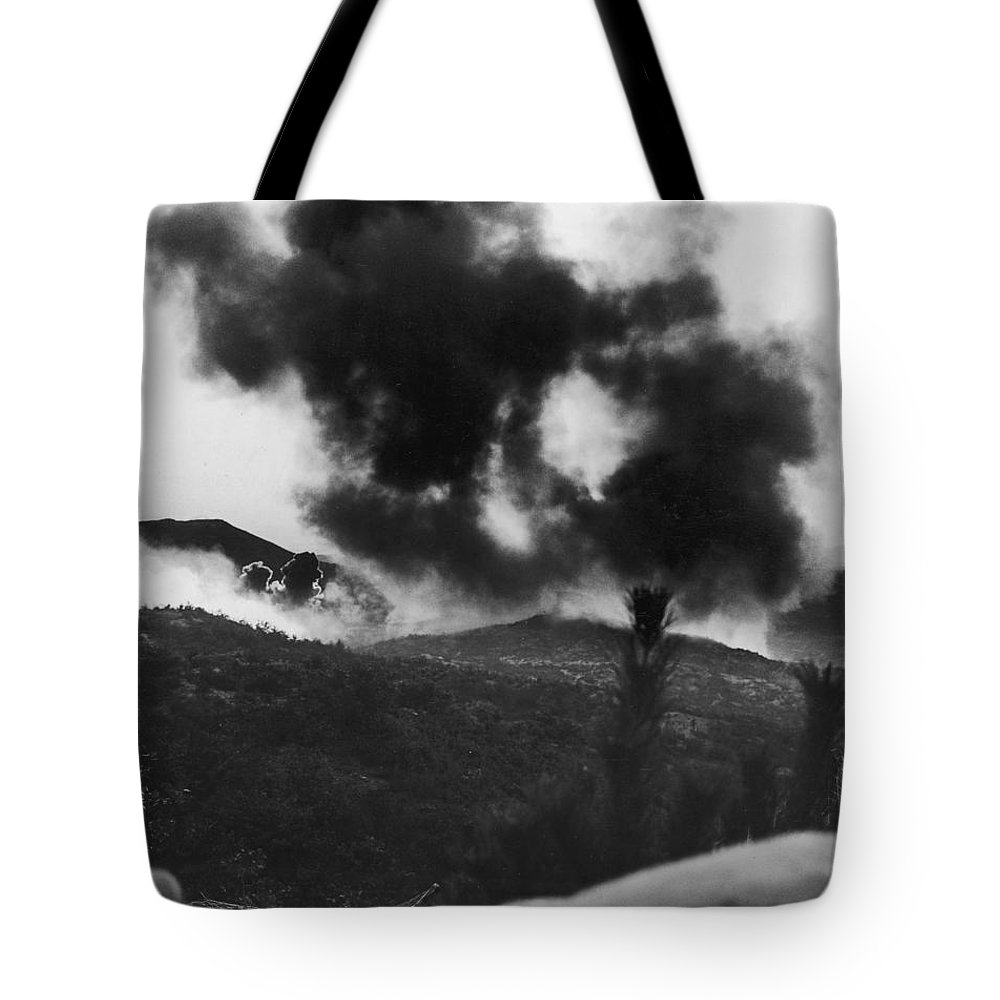 1952 Tote Bag featuring the photograph Korean War: Bunker Hill by Granger